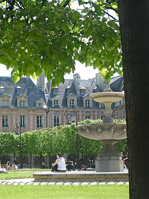 The serene Place de Vosges