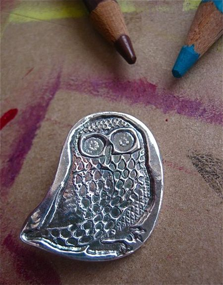 Tiny owl pin