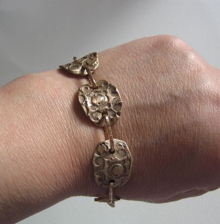 Bronze bracelet2