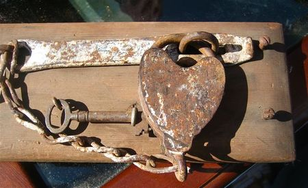 Rusted heart lock
