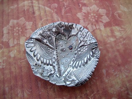 Winged heart bowl