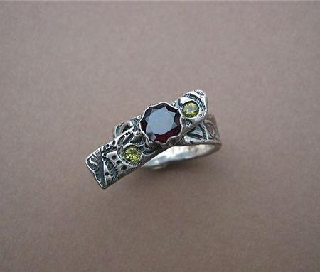 Garnet & peridot ring
