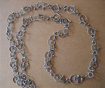 Spiral blob chain