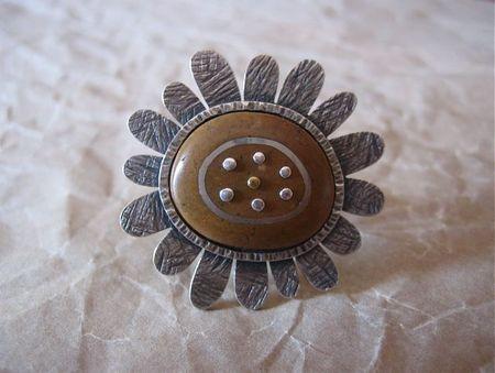 Dana daisy ring