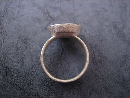 Flower seal ring side