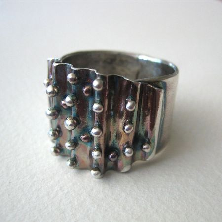 Ruffle ring polished