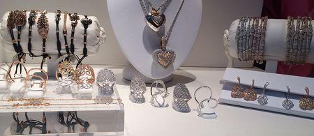 Glittering jewelry 20x8