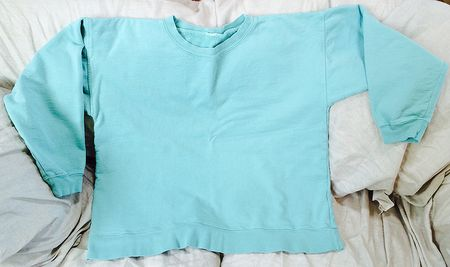 Turquoise sweatshirt 15x9
