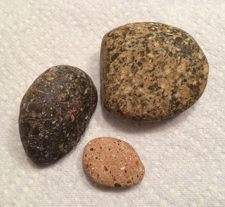 Speckled river rocks 15x13.5-631kb