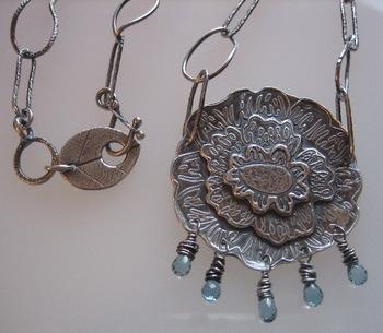 Peony_necklace_closeup
