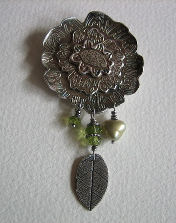 Pmc_silver_peony_pin_with_peridot_a