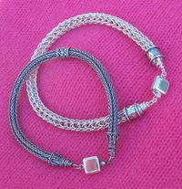 Knittedcuffs